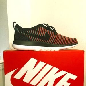 Men's Nike Roshe Two Flyknit Size 12